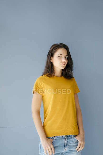 Portrait of a self-confident woman — Stock Photo