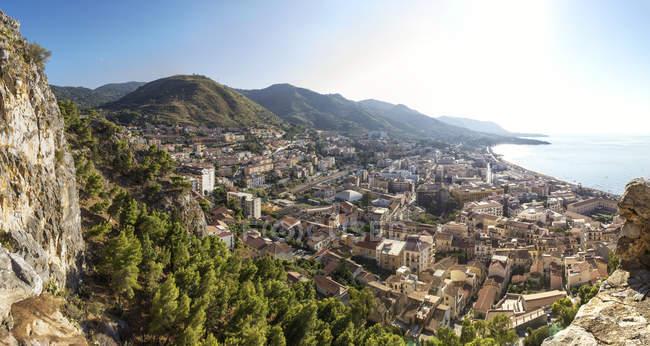 Sicília, Cefalu, vista à cidade velha de Cefalu de Rocca di Cefalu — Fotografia de Stock