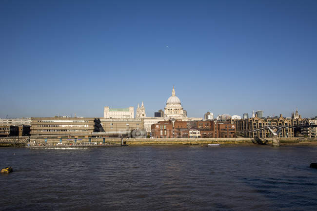 United Kingdom, England, London, St. Paul's Cathedral and River Thames — Stock Photo