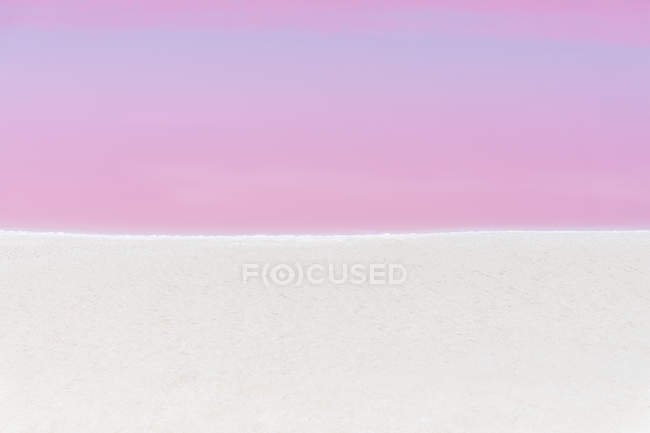 Mexiko, Yucatan, Las Coloradas, Pink Lake salt lake — Stock Photo
