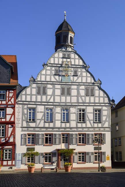 Deutschland, Hessen, Butzbach, Altstadt, Rathaus am Marktplatz — Stockfoto