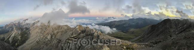 Італія, Венето, Доломітові Альпи, Альта Віа Бепі Зак, захід сонця на Пале ді Сан-Мартіно — стокове фото