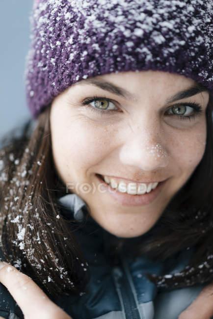 Ritratto di donna, cappello di lana — Foto stock
