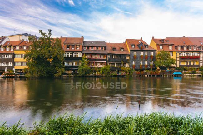 Германия, Бавария, Бамберг, Малая Венеция и Регниц — стоковое фото