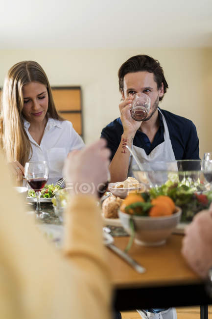 Friends having fun, eating lunch together — Stock Photo
