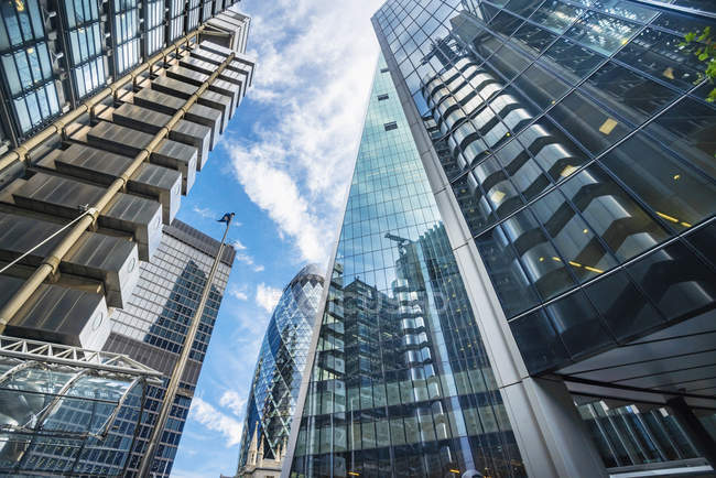 Reino Unido, Inglaterra, Londres, moderno distrito financiero, Liverpool street - foto de stock