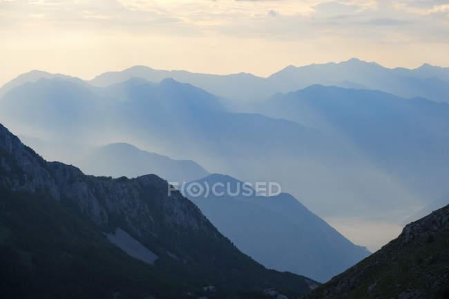 Чорногорія, Національний парк Ловчен, вид з гори Jezerski Vrh — стокове фото