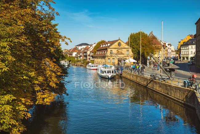 Germania, Baviera, Bamberg, città vecchia, fiume Regnitz — Foto stock
