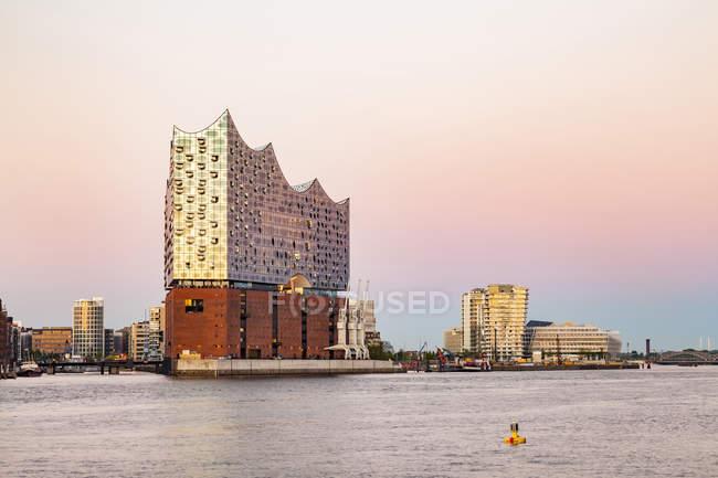 Germany, Hamburg, Elbe Philharmonic Hall and HafenCity — Stock Photo