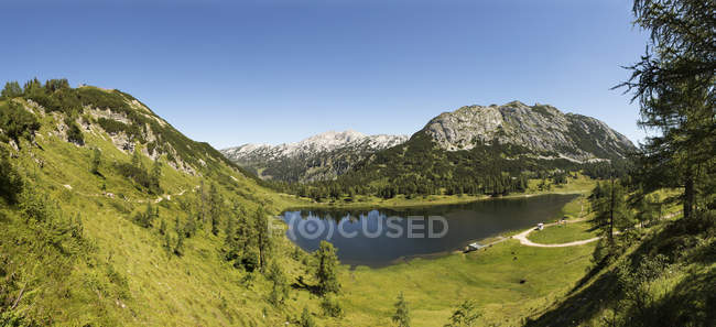 Austria, Styria, Tauplitz, Totes Gebirge, Lake Grosssee — Photo de stock