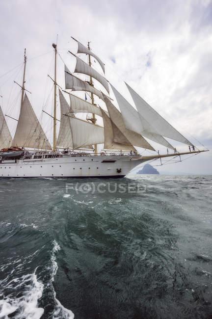 Thailandia, Mare delle Andamane, Nave a vela — Foto stock