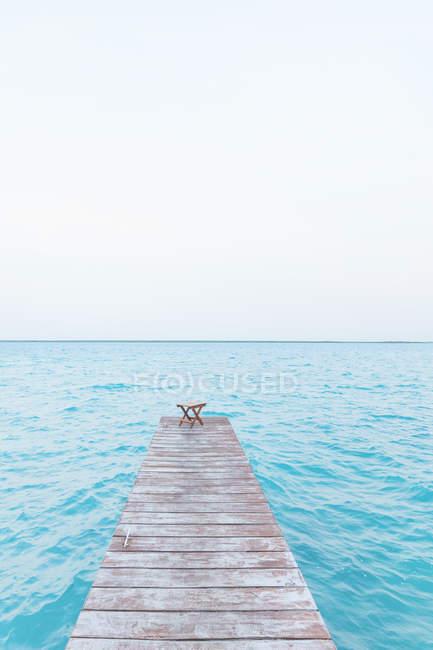 Масіко, Юкатан, Quintana Роо, Лагуна Бакалар, Пірс, що ведуть у воду — стокове фото