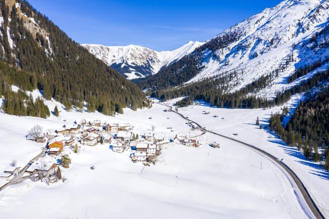 Австрія, Тіроль, Келмен, Namlos гірський прохід взимку, аерофотографія — стокове фото