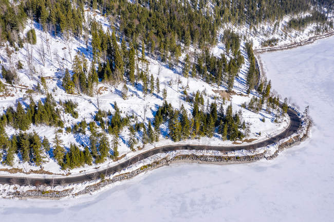 Австрія, Тіроль, Амберауер, зима в Plansee — стокове фото