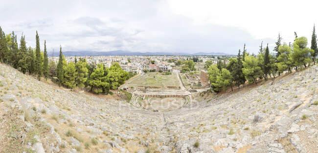 Grèce, Argos, théâtre antique et paysage urbain — Photo de stock
