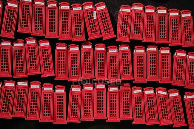 Royaume-Uni, Londres, Camden Town, cabine téléphonique souvenirs — Photo de stock
