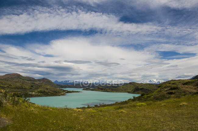 Chile, Patagonia, Torres del Paine National Park, Turquoise lake — Stock Photo