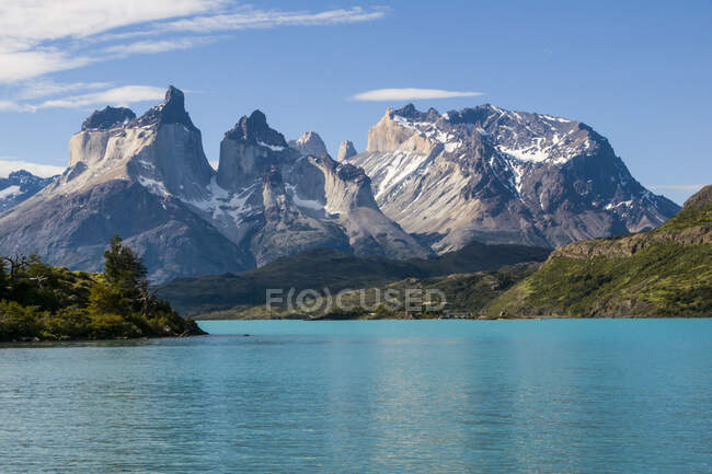 Chile, Patagonia, Torres del Paine National Park, Lake Pehoe — Stock Photo