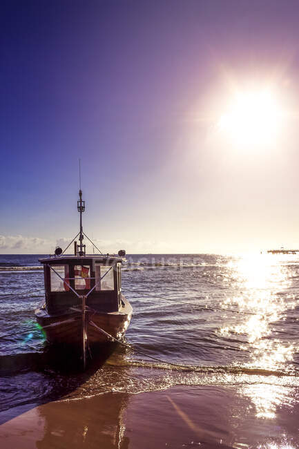 Germany, Usedom, fishing boat on the beach — Foto stock