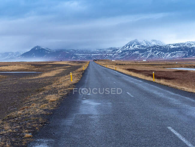 Iceland, Road 54 at Snaefellsjoekull National Park early in the morning in winter — Stock Photo