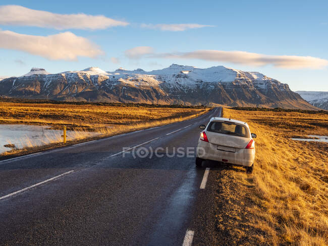Iceland, Snaefellsjoekull National Park early in winter at sunrise — Stock Photo