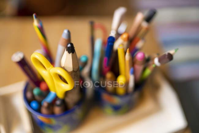 Assortiment de crayons de couleur — Photo de stock