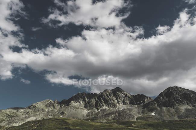 Switzerland, Grisons, Tiefencastel, mountainscape at Albula Pass — Foto stock
