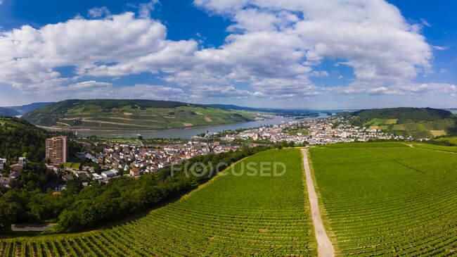 Germany, Rhineland-Palatinate, Aerial view of Weiler am Rhein, Nahe river and Bingen am Rhein — Stock Photo