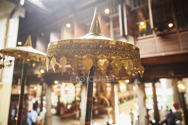 Templo de la Reliquia del Diente Sagrado, Kandy, Sri Lanka - foto de stock