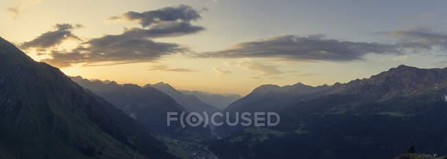 Switzerland, Ticino, Airolo, panorama morning mood at Gotthard Pass — Foto stock