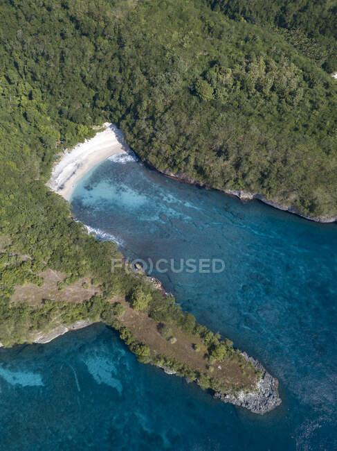 Vista aerea di Crystal Bay Area, Nusa Penida Island, Bali, Indonesia — Foto stock