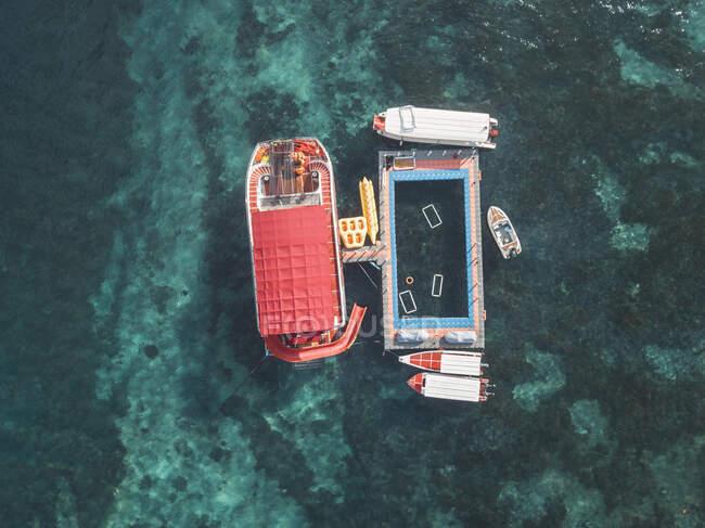 Плавучий човен, острів Нуса Пеніда, Балі, Індонезія. — стокове фото