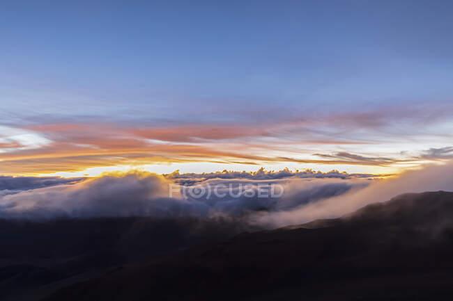 Crater of Haleakala volcano at sunrise, Haleakala National Park, Hawaii, USA — Stock Photo