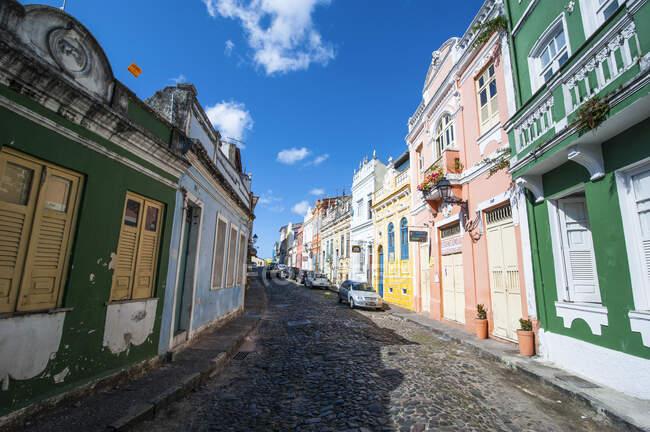 Colonial architecture in Pelourinho, Salvador da Bahia, Brazil — Stock Photo