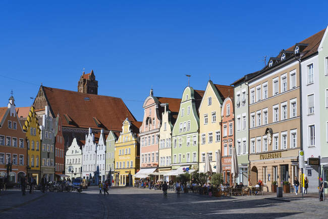 Old town and Church of the Holy Spirit, Landshut, Bavaria, Germany — Stock Photo