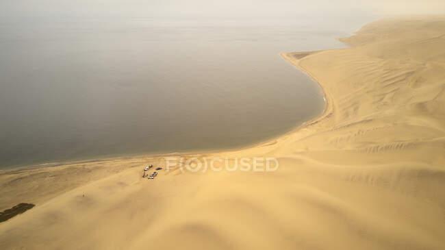 Вид с воздуха на экспедицию из Томбуа в Фос-де-Кунене, Ангола, Африка — стоковое фото