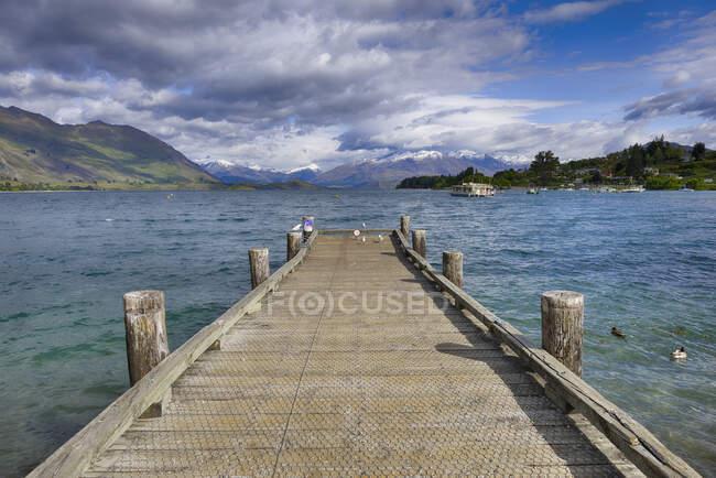 New Zealand, South Island, Lake Wanaka, jetty at Roys Bay — Stock Photo