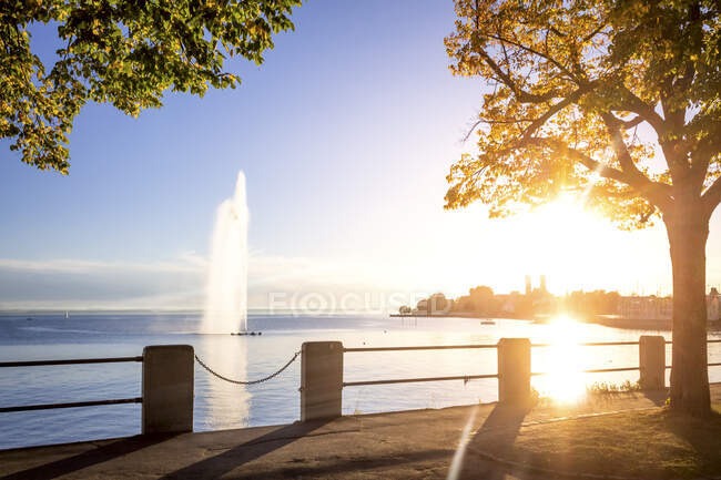 Monastery and fountain at Lake Constance, Friedrichshafen, Germany — Foto stock