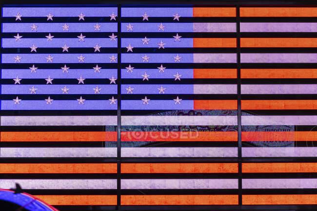 Bandera digital de los Estados Unidos en Times Square, Manhattan, New York City, EE.UU. - foto de stock