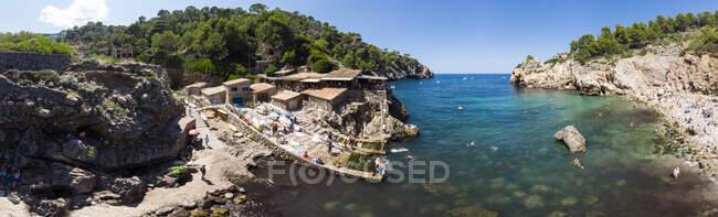 Spagna, Isole Baleari, Maiorca, Cala Deia, Veduta aerea della baia — Foto stock