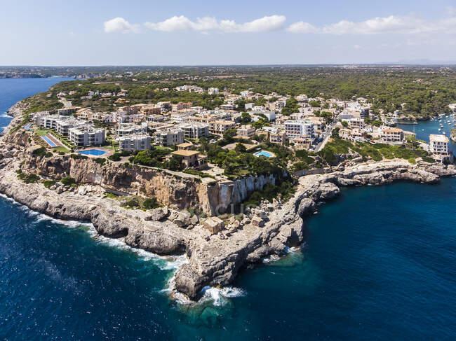 Spagna, Isole Baleari, Maiorca, Veduta aerea della baia Cala Figuera — Foto stock