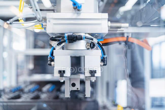 Intricate machinery inside modern factory, Stuttgart, Germany — Stock Photo