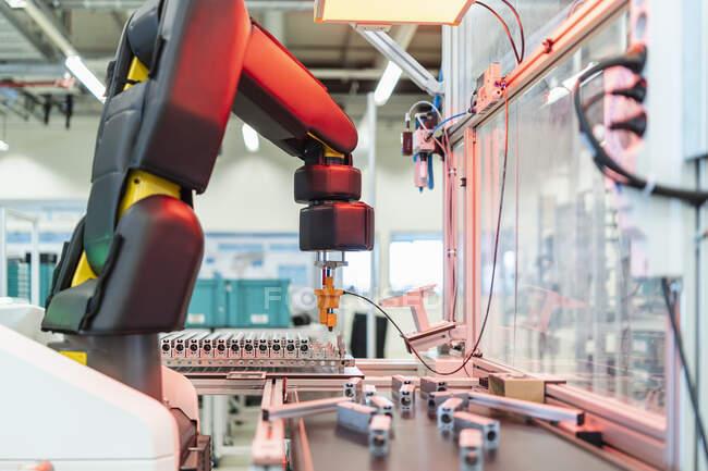 Germany, Stuttgart, Robot in factory — Stock Photo
