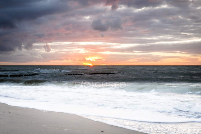 Baltic Sea at Darsser Ort at sunset, Mecklenburg-Western Pomerania, Germany — Stock Photo