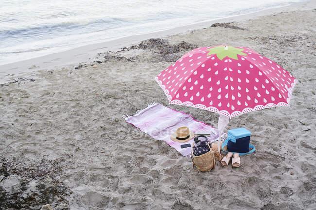 Attrezzatura da spiaggia sulla riva, Minorca, Spagna. — Foto stock