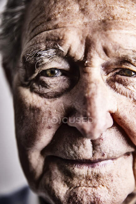 Портрет старця, зблизька — стокове фото