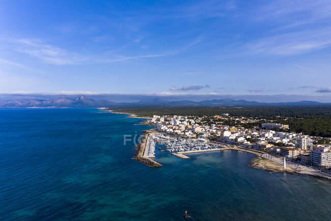 Spagna, Maiorca, Veduta aerea del resort Can Picafort in estate — Foto stock