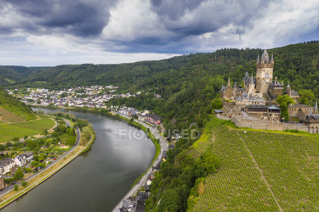 Aerial view of castle against cloudy sky in town, Cochem, Germany — Stock Photo