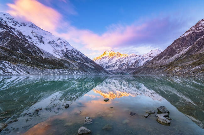 New Zealand, South Island, Scenic mountainous landscape — Stock Photo