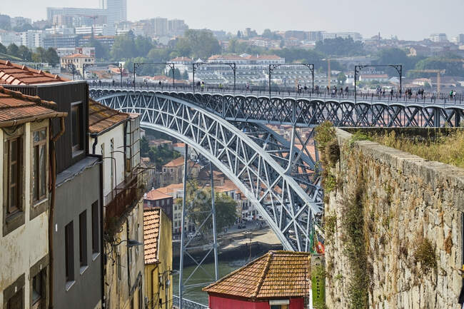 Portogallo, Porto, Douro, Dom Luis I ponte visto durante il giorno — Foto stock